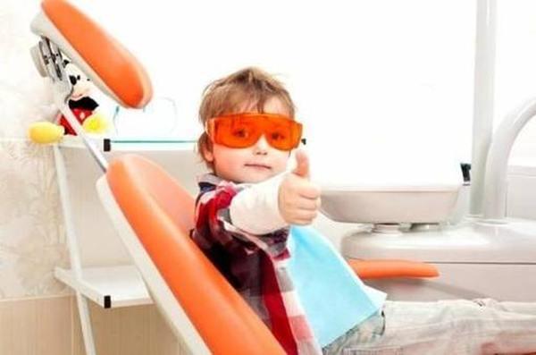 Лучшие платные стоматологические клиники для детей в Санкт-Петербурге