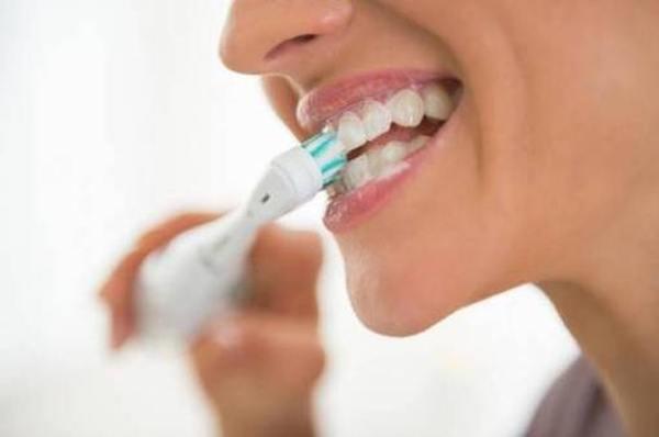 Обзор электрических зубных щеток Oral-B