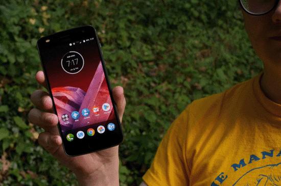 Смартфон Motorola Moto Z2 Play 64GB — достоинства и недостатки