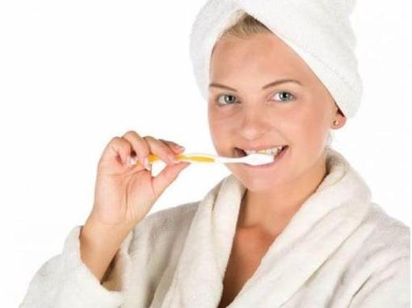 Обзор зубных паст от пародонтоза и пародонтита, их описание.