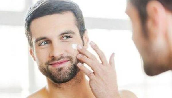 Лучшие уходовые мужские кремы для лица