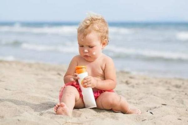 Рейтинг лучших солнцезащитных кремов для детей