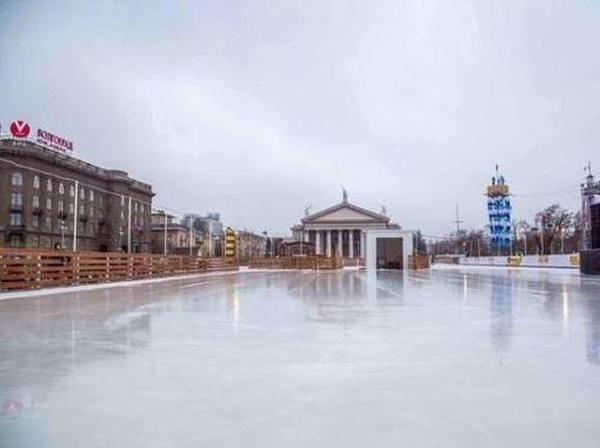 Обзор рейтинг 2020 катков Волгограда: платные и бесплатные ледовые площадки