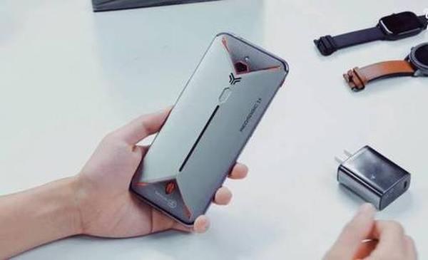 Смартфон ZTE Nubia Red Magic 3s ‒ достоинства и недостатки