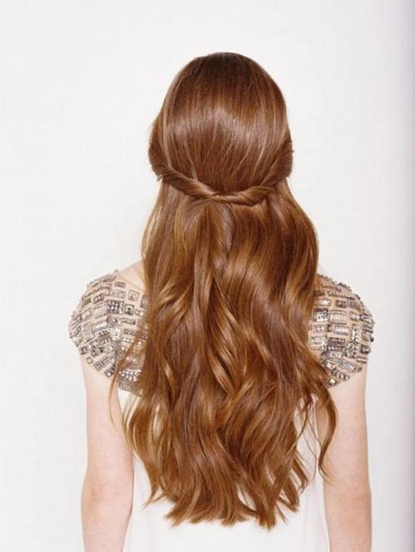 Простые ежедневные прически на длинные волосы раз
