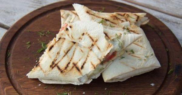 Лаваш с сыром — лучшие рецепты вкусных закусок