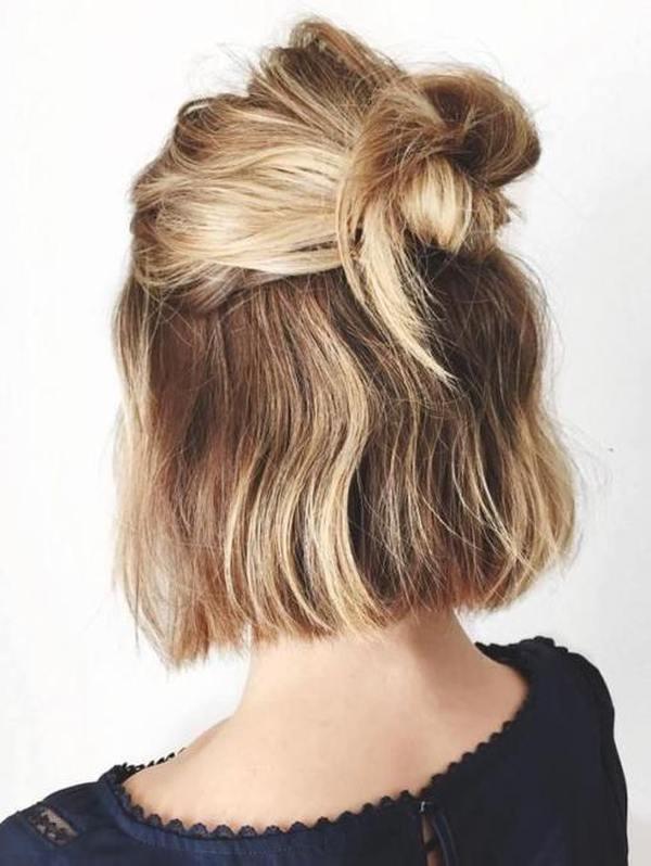 Прически на средние волосы на каждый день два