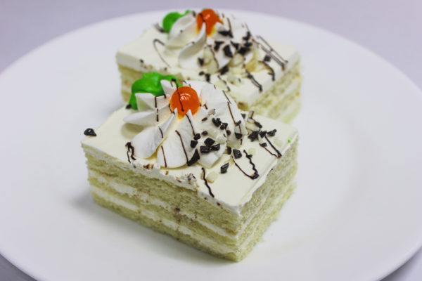 Бисквитные пирожные – 7 пошаговых рецептов, как приготовить нежный и вкусный десерт