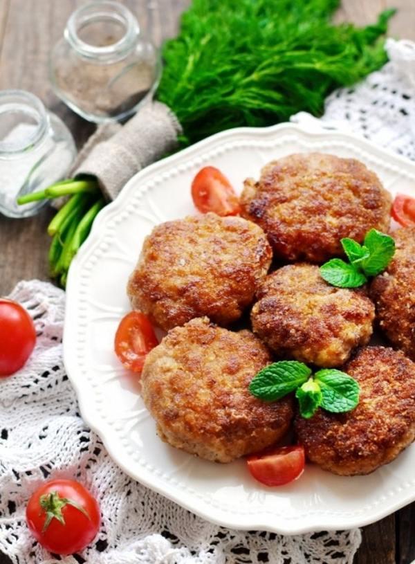 Котлеты из говядины и курицы – пошаговый рецепт сочных и вкусных домашних котлет